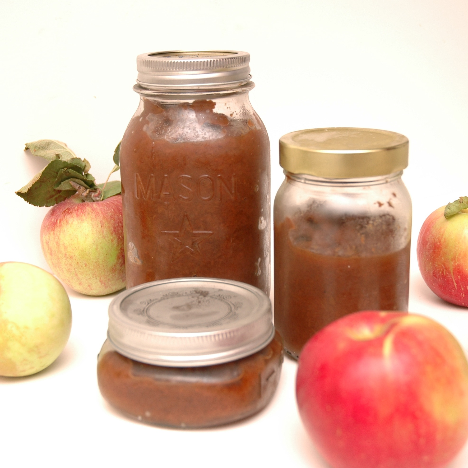 crock pot apple butter with apples | via teacher-chef