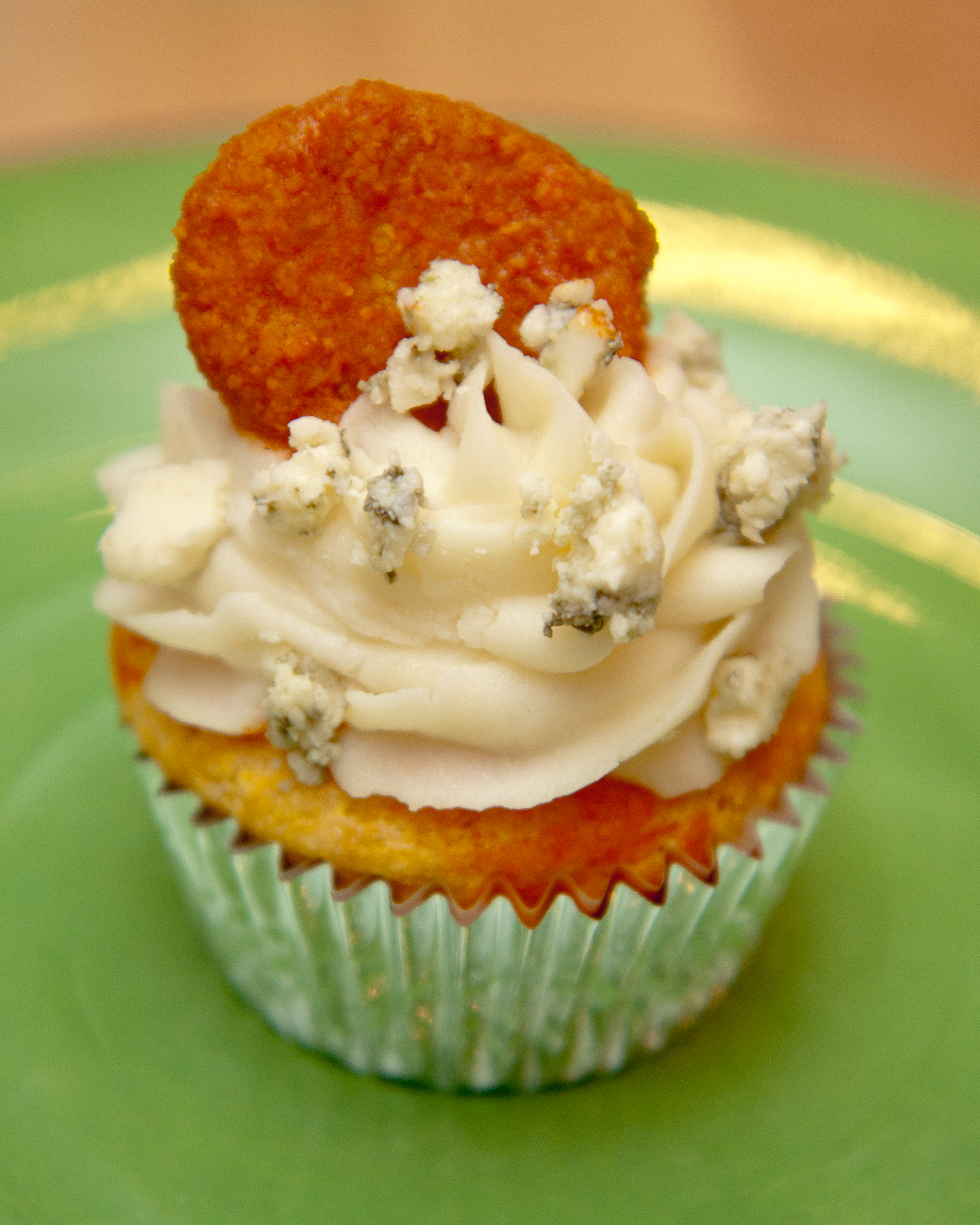 ... Potato Frosting & Buffalo Hot Chicken Wing sauce all over the place