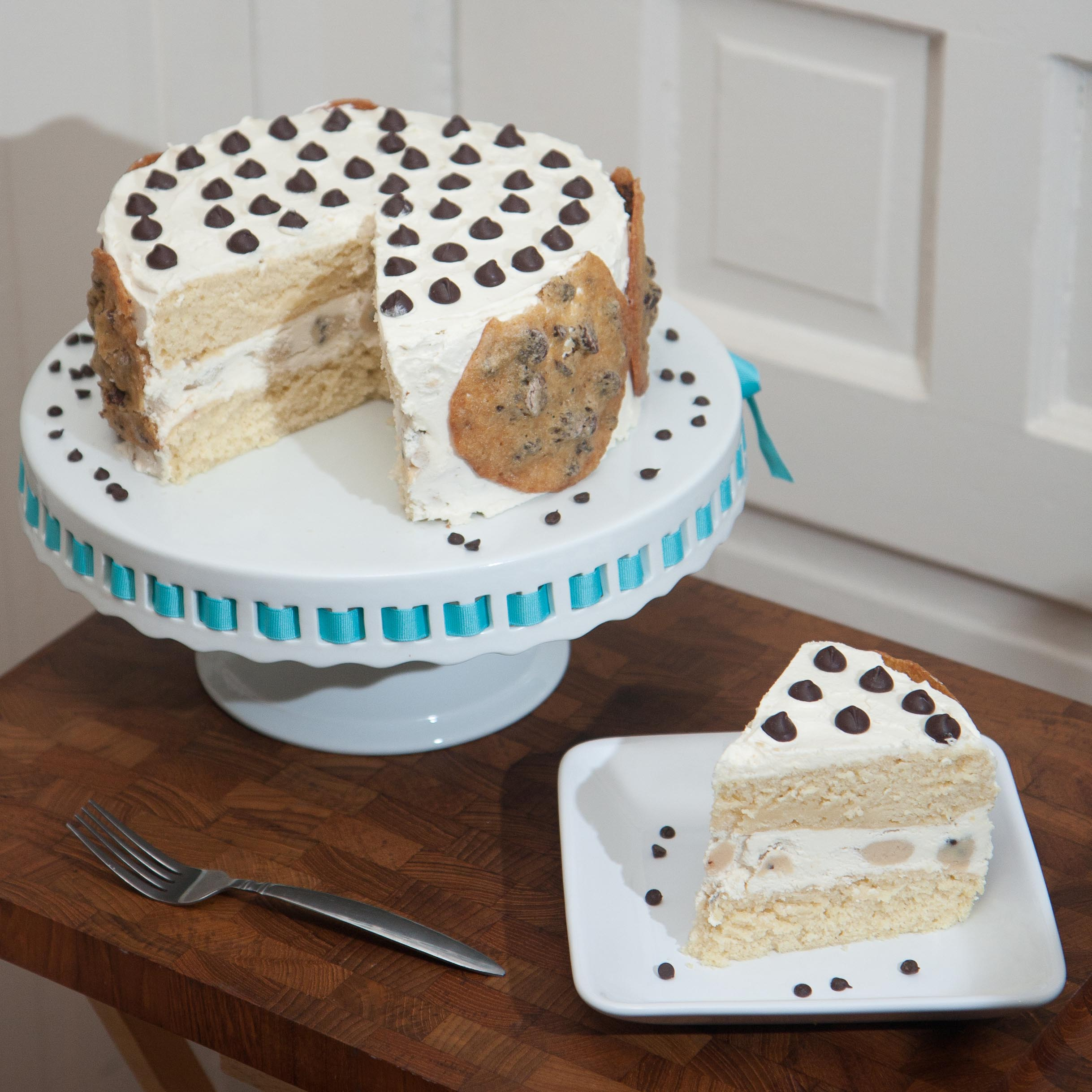 Chocolate Chip Cookie Cake