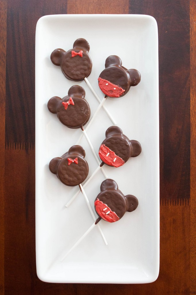 Mickey and Minnie Oreo Pops