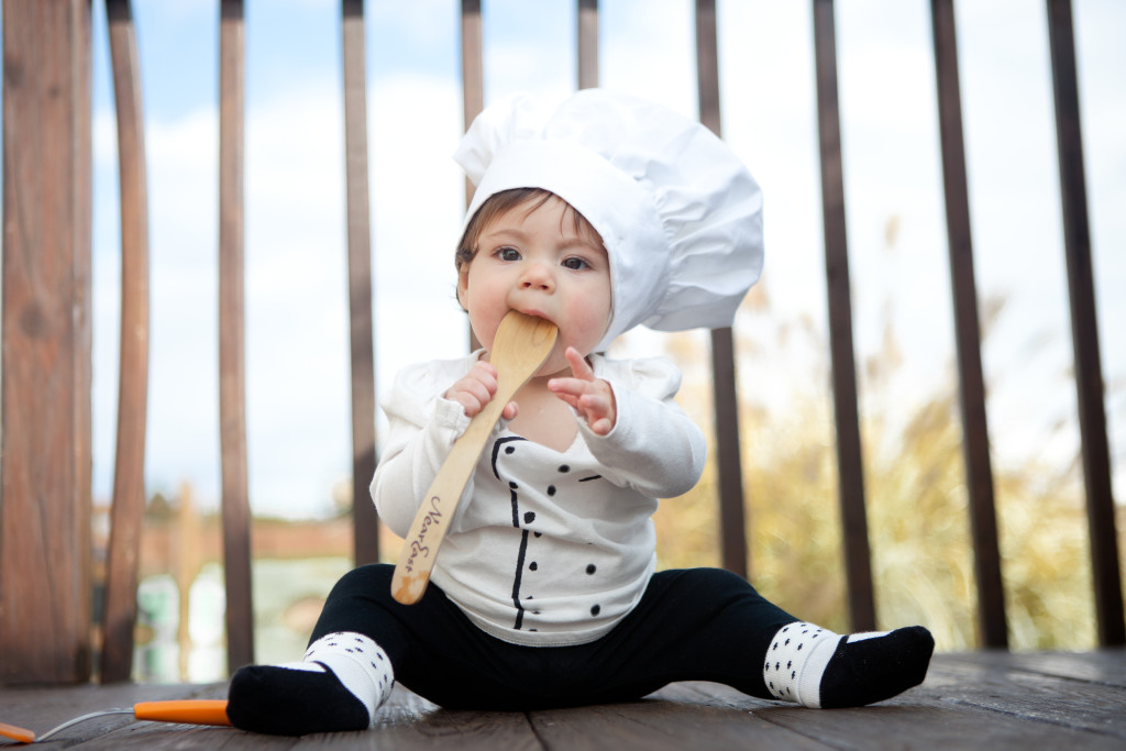 baby chef spoon -via teacher-chef.com