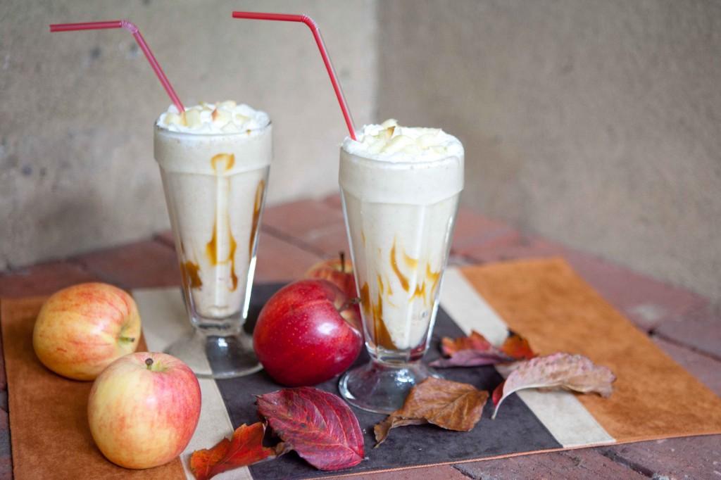 Vanilla Caramel Apple Shakes